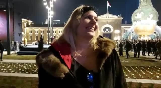 JELENA GOLUBOVIĆ: Ovo je najlepši trg u Srbiji! Nadam se da će se ljudi sada ovde okupljati! (VIDEO)