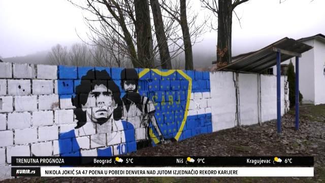 LEGENDA FUDBALA OVEKOVEČENA U ŠUMADIJSKOM SELU: U Boraču kod Kragujevca osvanuo mural posvećen Maradoni (KURIR TELEVIZIJA)