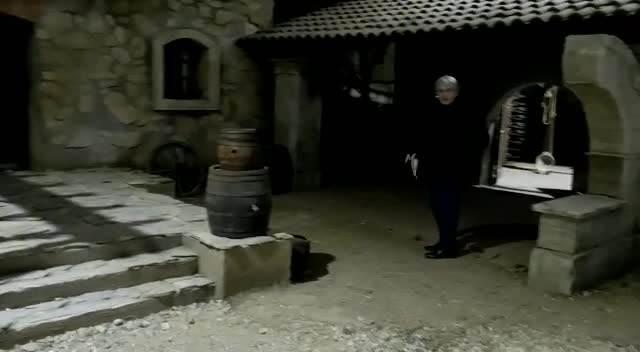 KUĆA ACE BERČEKA ZAVRŠILA U SERIJI TAJNA VINOVE LOZE: Kurir zavirio na set i pogledajte šta smo još saznali! (KURIR TV)