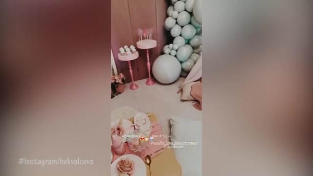 VELIKO SLAVLJE U DOMU NATAŠE BEKVALAC! Pevačica slavi ćerki 3. rođendan, pripremila pravu BAJKU!
