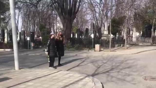 SAHRANA BORISA KOMNENIĆA: Porodica i prijatelji neutešni na Novom groblju, došli da isprate glumca na VEČNI POČINAK