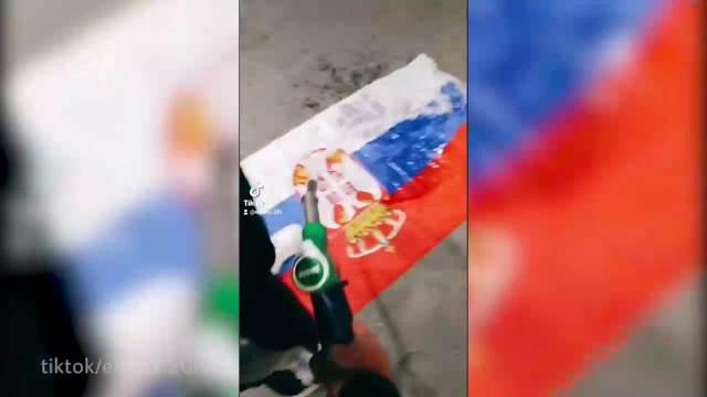 Paljenje srpske zastave pa pokazivanje albanske