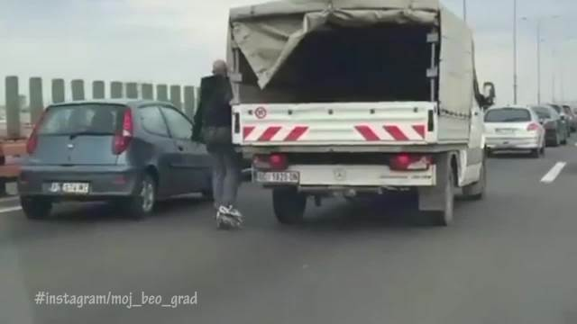 I POSLE OD KOGA DECA VIDE? MATOR, A PRAVI GLUPOSTI: Pogledajte ovu opasnu vožnju na Gazeli