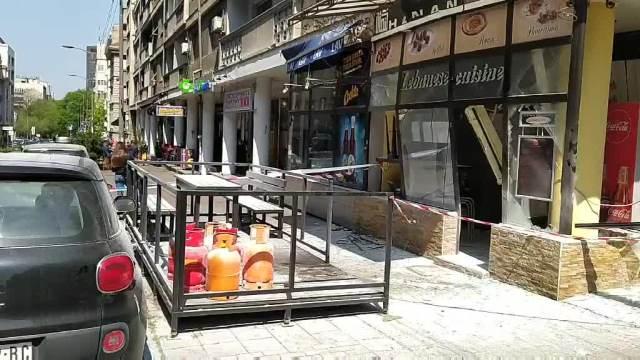 EKSPLOZIJA U RESTORANU NA VRAČARU: Plinska boca izazvala požar, povređen radnik KURIR TV