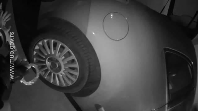 DRAMATIČAN SNIMAK HAPŠENJA U FILMSKOM GRADU: Pogledajte kako je policija uletela u podzemnu garažu ZAPLENJENO 45 KG MARIHUANE