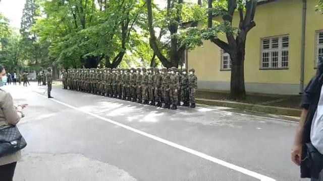 KASARNA NA DEDINJU: Sve spremno za dolazak predsednika Vučića