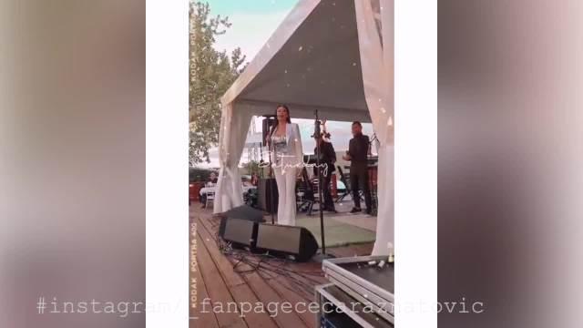 CECA ODRŽALA PRVI NASTUP NAKON DUGE PAUZE! Ražnatovićka sva u BELOM, pevala u srcu Šumadije i napravila atmosferu za pamćenje!