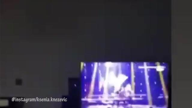 KNEZ EUFORIČAN ZBOG ĆERKE! PONOSNI TATA SE VESELIO I IGRAO: Ovakva reakcija pevača dok gleda Kseniju na sceni je PRELEPA!