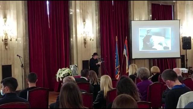 KOMEMORACIJA POVODOM SMRTI ĐORĐA MARJANOVIĆA Poslednji pozdrav uz ZVIŽDUK U 8: Od estrade je napravio muzičko pozorište (KURIR TV)