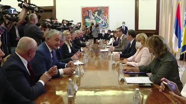 Vučić sa rukovodstvom RS o novom visokom predstavniku u BiH