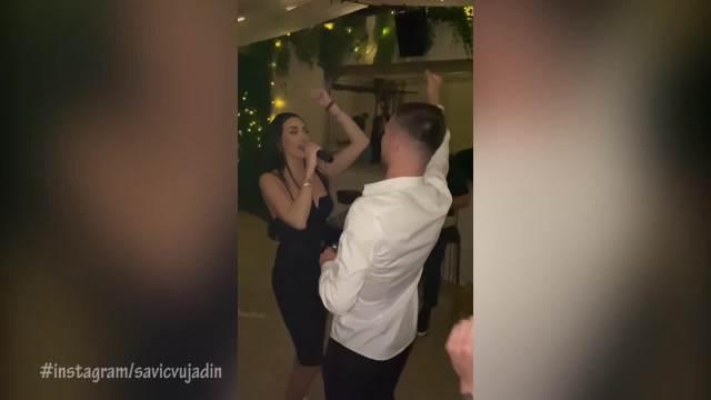 ALE, ALE, ALEO, GOBELJA SE VERIO: Katarina Grujić  dobila PRSTEN, pa pevala na uvce NAVIJAČKE PESME vereniku u transu! VIDEO