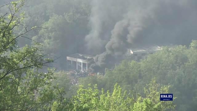 Ovako jutros izgleda žarište eksplozije u Čačku: Meštani u strahu od požara, neki se još nisu vratili kućama
