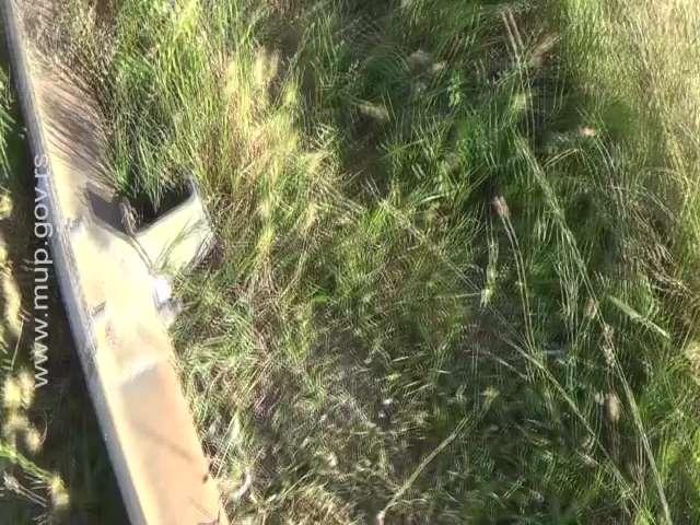 BEOGRADSKA POLICIJA UHVATILA DOVITLJIVOG DILERA: Drogu krio ispod bankine na auto-putu za Novi Sad (VIDEO)