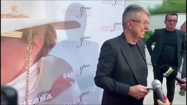 ULOŽIO SAM 140 PENZIJA U OVO! Saša Popović za KURIR priznao da je za album supruge iskeširao oko 100.000 evra: Ona je BOG I BATINA