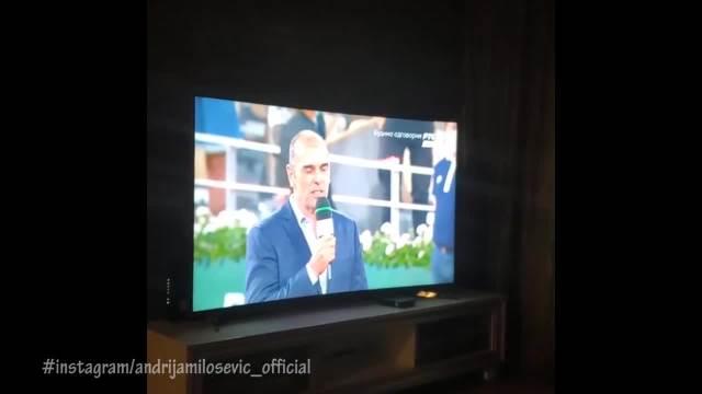 ANDRIJA MILOŠEVIĆ NASMEJAO INTERNET DO SUZA: Glumio Novaka Đokovića, Jelena aplaudirala i sve je bilo URNEBESNO! (VIDEO)