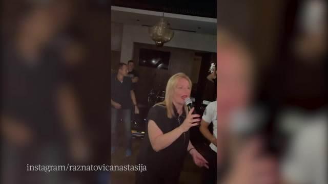 NOLE IH SPOJIO! Dr Iggy i pevačica prvi put zajedno posle mnogo godina