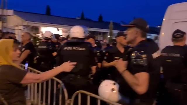 Policija okružila Saborni hram u Podgorici zbog Komita