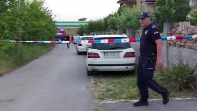 UŽAS U SURČINU: Ivan izvučen iz septičke jame i prevezen u bolnicu, Branko ne daje znake života (KURIR TV)