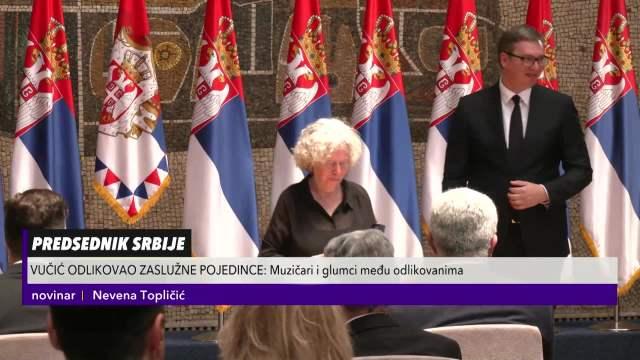 EVA RAS ODLIKOVANA ZLATNOM MEDALJOM ZA ZASLUGE! Predsedniku Vučiću uručila SPECIJALAN POKLON za malog Vukana