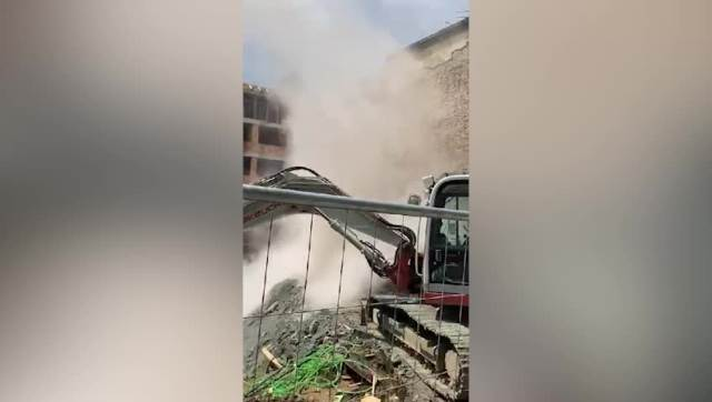 Trenutak rušenja drugog dela zgrade u Vidovdanskoj