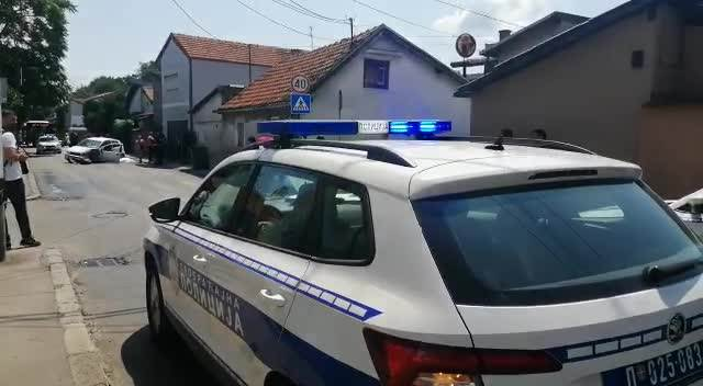 TEŠKA NESREĆA NA DUŠANOVCU: Auto naleteo na ženu pešaka, vozač preminuo za volanom