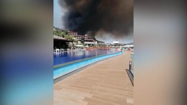 Vatra sa brda kod Antalije stigla do hotela!