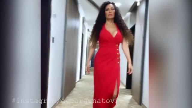 CECU U OVAKVOM IZDANJU DO SAD NISMO VIDELI! Ražnatovićka zablistala u crvenoj haljini sa DUBOKIM ŠLICEM, a tek da vidite FRIZURU
