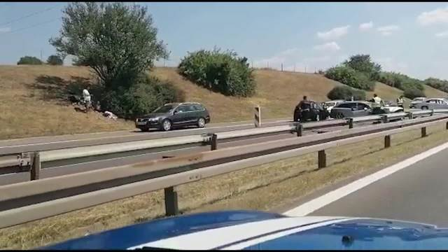 TEŽAK LANČANI SUDAR 4 AUTA KOD BUBANJ POTOKA: Najmanje 4 povređena, saobraćaj obustavljen (VIDEO)