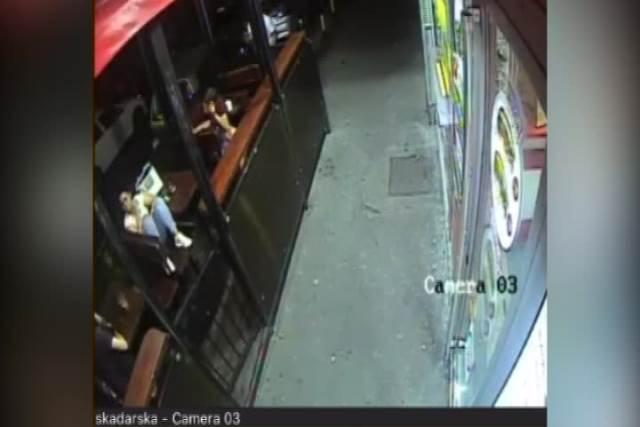 SNIMAK KRAĐE U SKADARSKOJ: Pogledajte trenutak teškog lopovluka