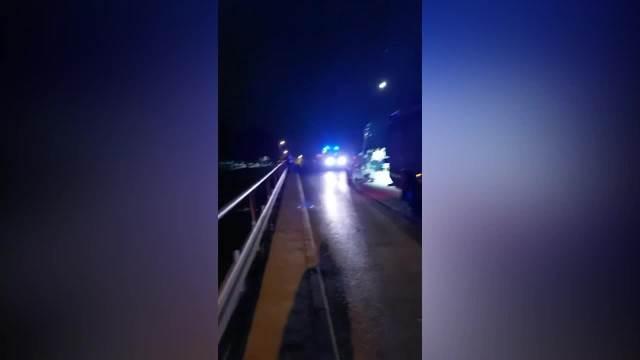 STRAVIČNA NESREĆA KOD RUMENKE: 4 mladića sletela automobilom u kanal Dunav-Tisa-Dunav! Za jednim se još traga