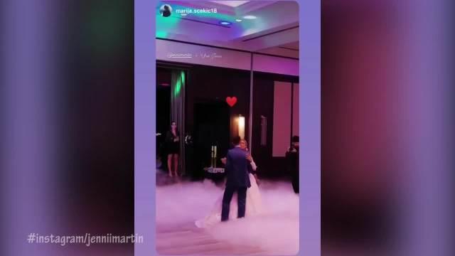 PRVI PLES MLADENACA PREKINULA TEA TAIROVIĆ: Uroš Jovčić i Dženi Martin venčali su se tajno, a evo kakvu su ŽURKU napravili! VIDEO