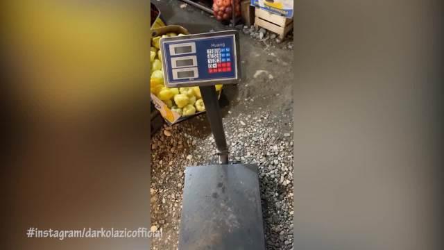 DARKO LAZIĆ STAO NA PIJAČNU VAGU: Šokirao se kad je video koliko je kilograma NABACIO!