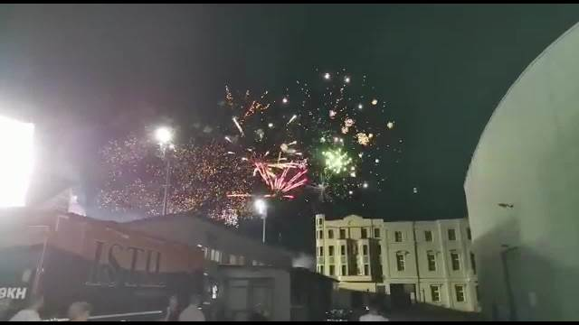 UŽIVO! POČELA JE POSLEDNJA ZADRUGA: Vatromet osvetlio nebo iznad Bele kuće, a prva se u rijalitiju pojavila ONA! (KURIR TV)