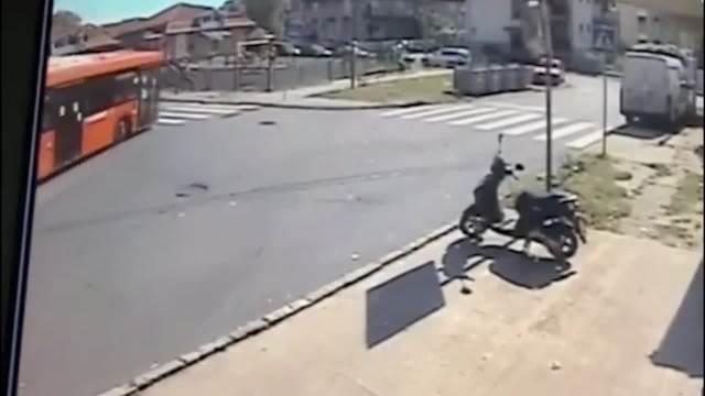 Zemun autobu udes