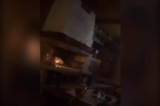ISPLIVAO SNIMAK IZ CECINE I BOGDANOVE SOBE! Romantika pored kamina, Ražnatovićeva pokazala javno gde i kako UŽIVA SA DEČKOM! VIDEO
