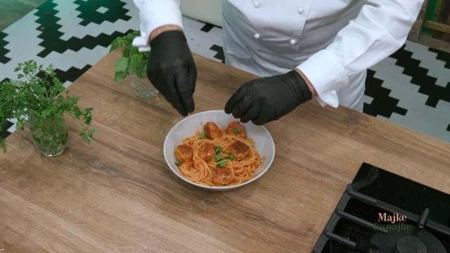 NAPRAVITE PROFI ĆUFTE I ŠPAGETE KAO ITALIJANI: Raša odao kulinarsku tajnu, OVO ih razlikuje od BALKANSKIH MESNIH KUGLICA