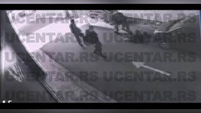UZNEMIRUJUĆI VIDEO! Krvničko prebijanje mladića u centru Kragujevca!
