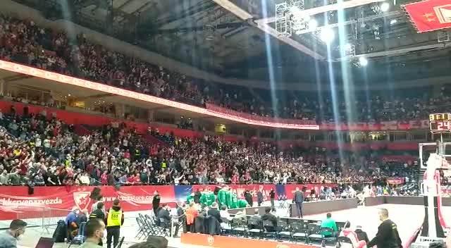 DELIJE PONOVO IZDOMINIRALE! Himna Evrolige nije se čula od navijača Zvezde! VIDEO