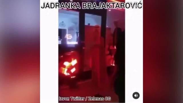 JADRANKA BARJAKTAROVIĆ ŽIVI U BEORADU A MRZI SRBIJU: Milovim pristalicama pevala Jači smo od Srbije