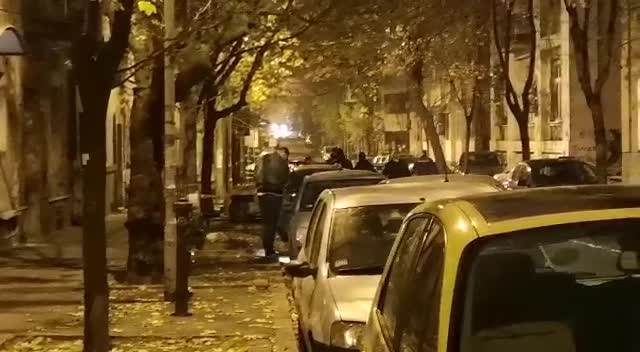 PUCNJAVA U CENTRU BEOGRADA: Ranjen muškarac (45) (KURIR TV)